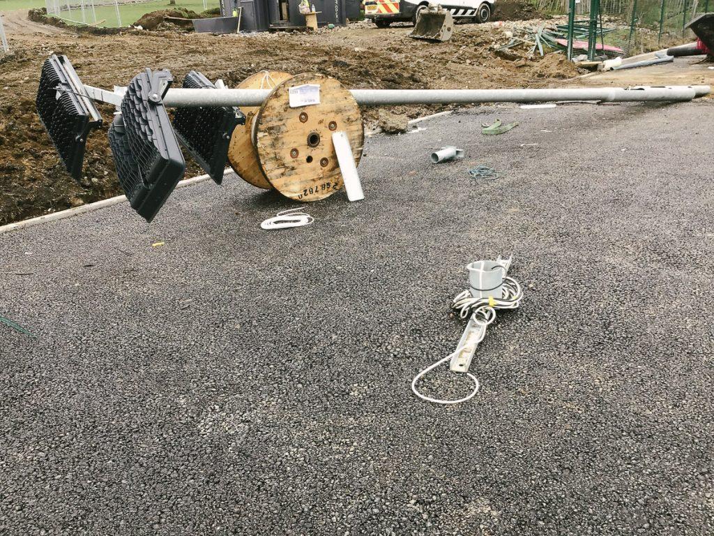 led floodlight column installation